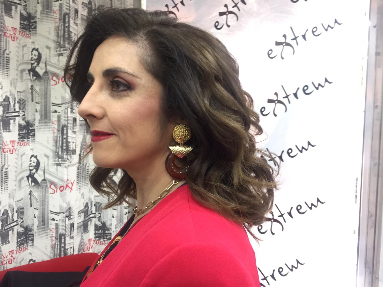 Trabajo de Maquillaje y Secado con Ondas en Extrem peluquería de Jaén
