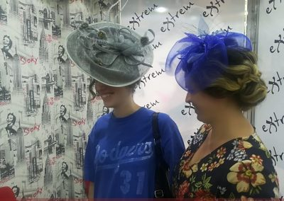 Trabajos de peluquería y estética para ir de boda
