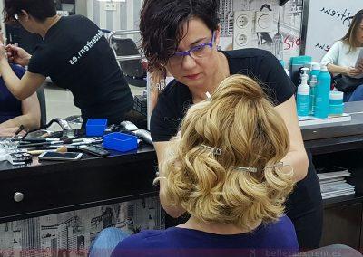 Peinado con ondas y maquillaje para Boda