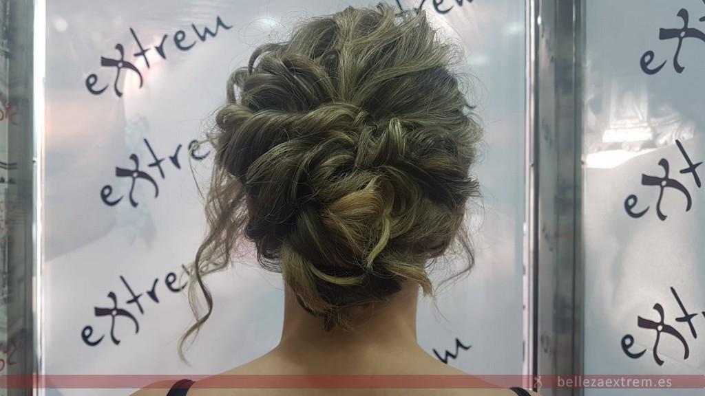 Recogido para ir de boda en peluquería Extrem de Jaén