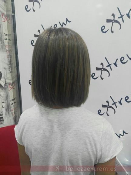 Cambio de look para jóvenes en Extrem peluquería