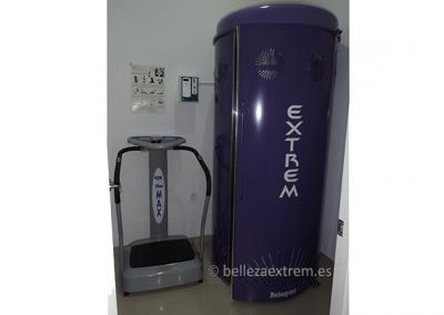 Cabina de rayos uva y máquina vibro max, para fortalecer brazos y piernas